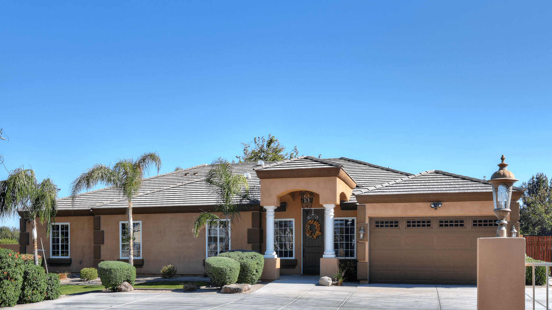 Eden Adult Care Facility home located in Gilbert Arizona, with locations in Mesa, Gilbert and the Phoenix East Valley